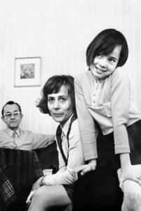 Familie Apitz: Bruno Apitz, seine Frau Marlis und Tochter Sabine, 1972 Quelle: Privatbesitz Marlis Apitz, Berlin, Foto: Barbara Meffert